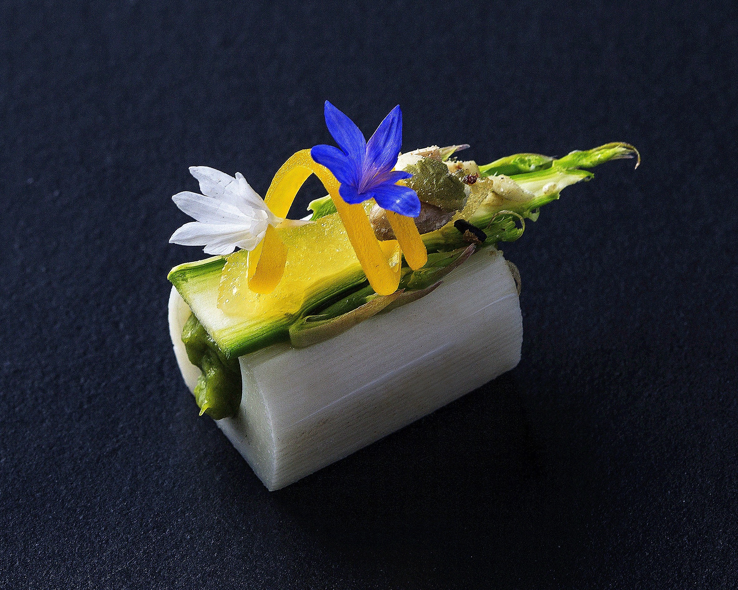 Hearts of palm with aparugus, avocado, pomelo, and yuzu