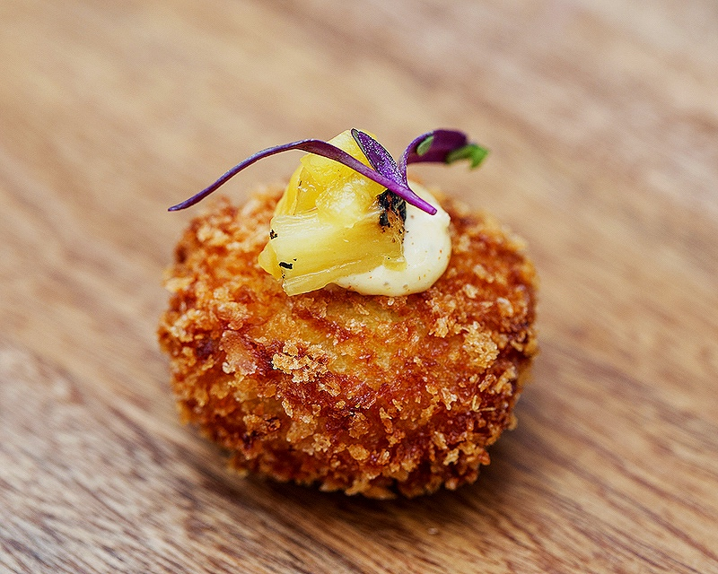 Crab croquette with roasted pineapple and remoulade