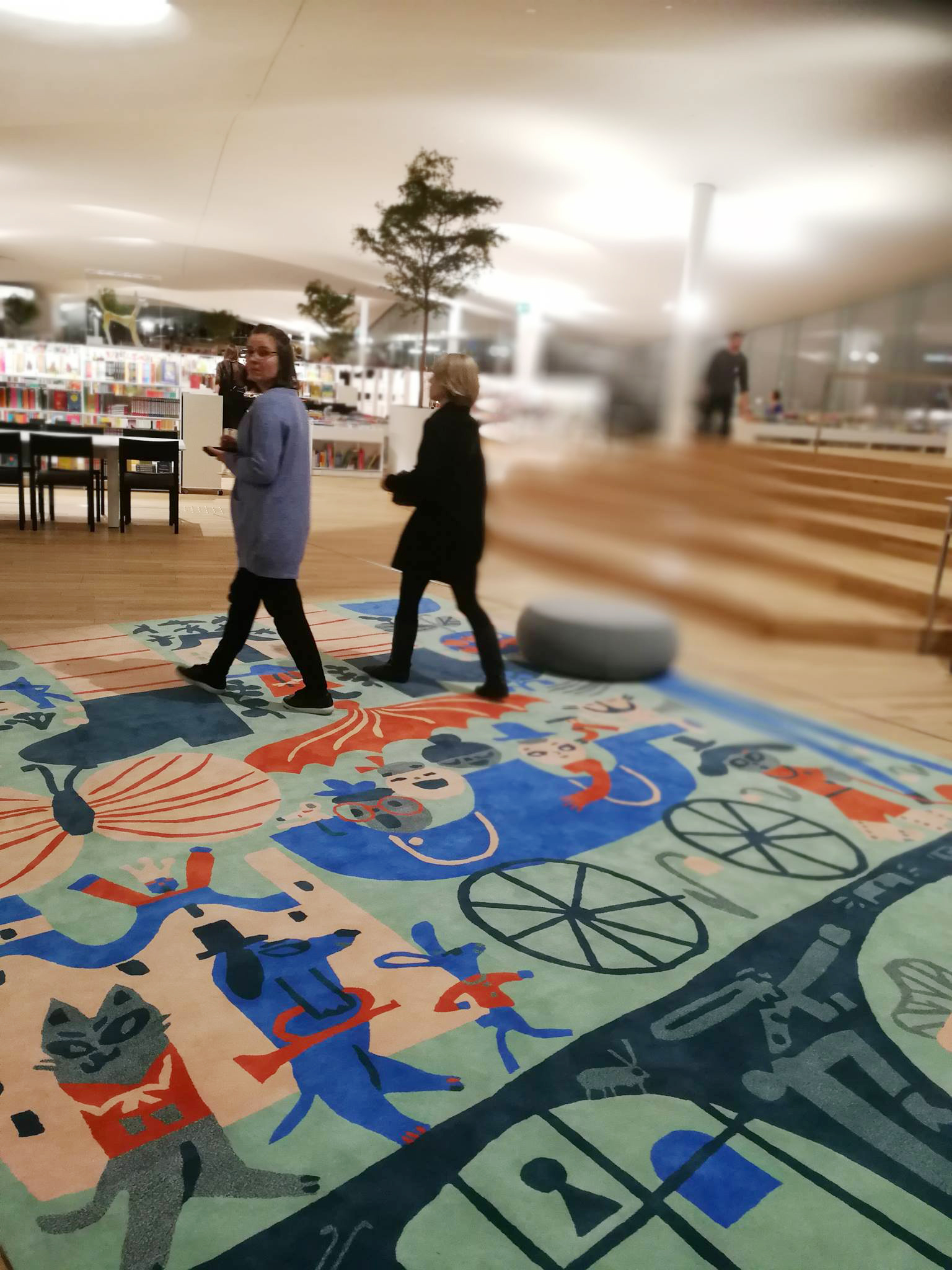 Travel companions in the carpet design for OODI, new central library of Helsinki (2018).