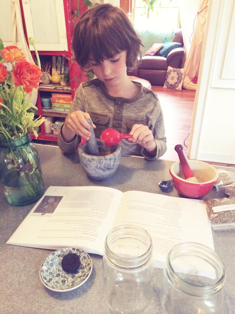 makingincense2