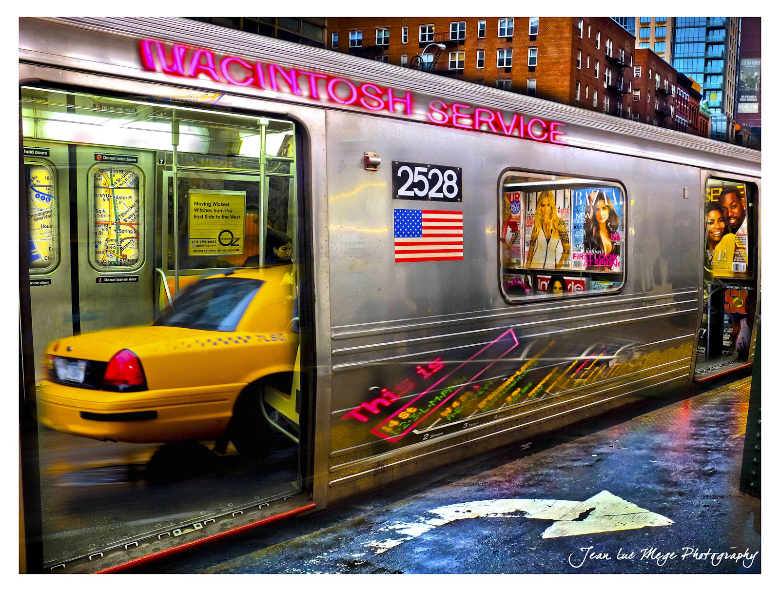 One of my first art creation in 2009 was this vision of New York... just putting a taxi... in a subway...