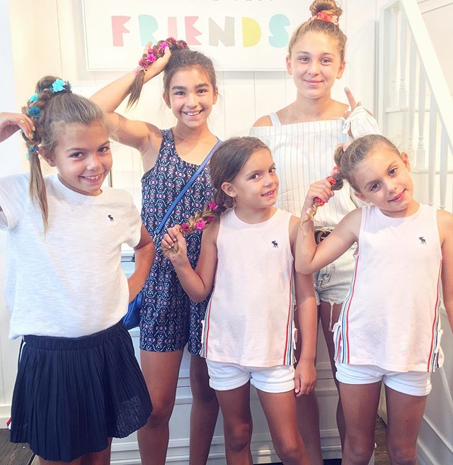 Braidy Bunch 💗  When the whole family is wearing @flower_child_hair 😊 So lovely meeting these beauties today!  #flowerchildhair #flowerchild #hairparties #party #floralhair #flowerhair #floral #flower #braid #braids #braidedstyles #hair #hairstyle #style #teenstyle #kidstyle #kidhair #teenhair #summer #summerhair #family #sisters #sistersquad #potterbarnkids