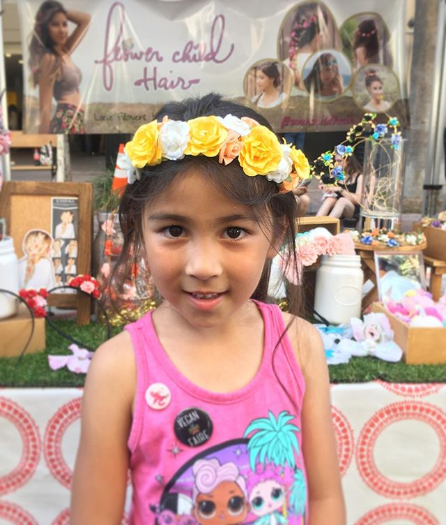 Favorite part of any event we do: Making new friends & having them feel extra pretty in our accessories 💛💗🧡 @veganfaire 🌿 We do Hair Parties! Send us a message & Book us for your next event 🌸😊 #flowerchildhair #veganfaire #veganfaire2019 #flowerchild #flowercrown #hair #hairaccessory #floralhair #flowers #flower #flowerhair #style #kidsstyle #teenstyle #kidsparty #kidsparties