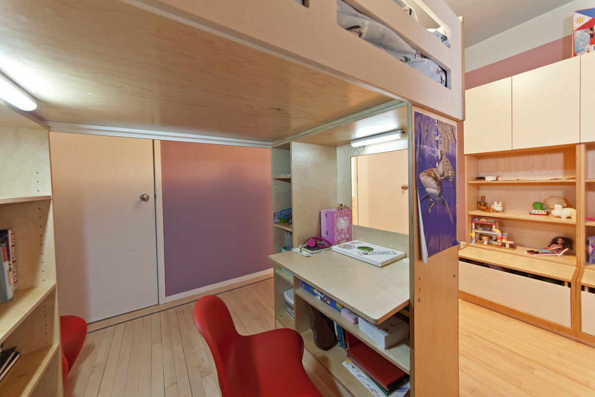 casa kids workspace under loft bed
