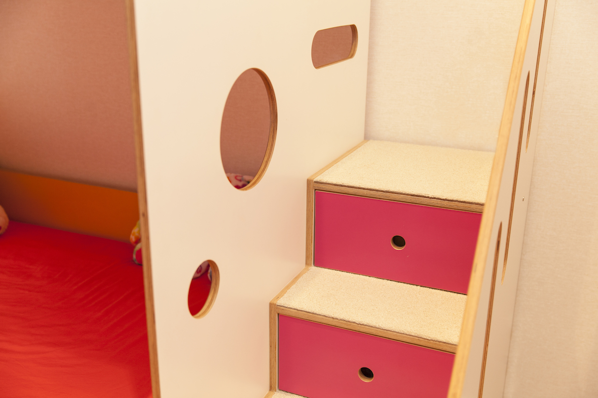 carpeted steps on bunk bed