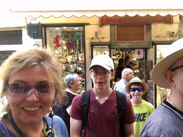 venice photobomber kid