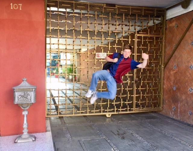 Oaxacan architecture can surprise you with beautiful details. We are so happy to be walking and jumping.