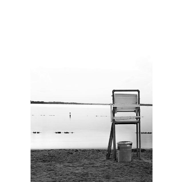 Minnesota Evenin' - no.2 📷 Fuji XT-1 ••• #fujixseries #fujixt1 #fuji_xseries #fujiphoto #photography #bnwphotography #blackandwhitephotography #bnw_captures #longexposure_shots #longexposure_photos #lifegaurd #lakelehommedieu #minnesota #alexandriamn