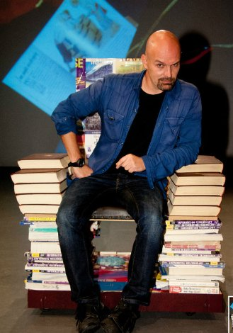 alex scarrow author image2.jpg