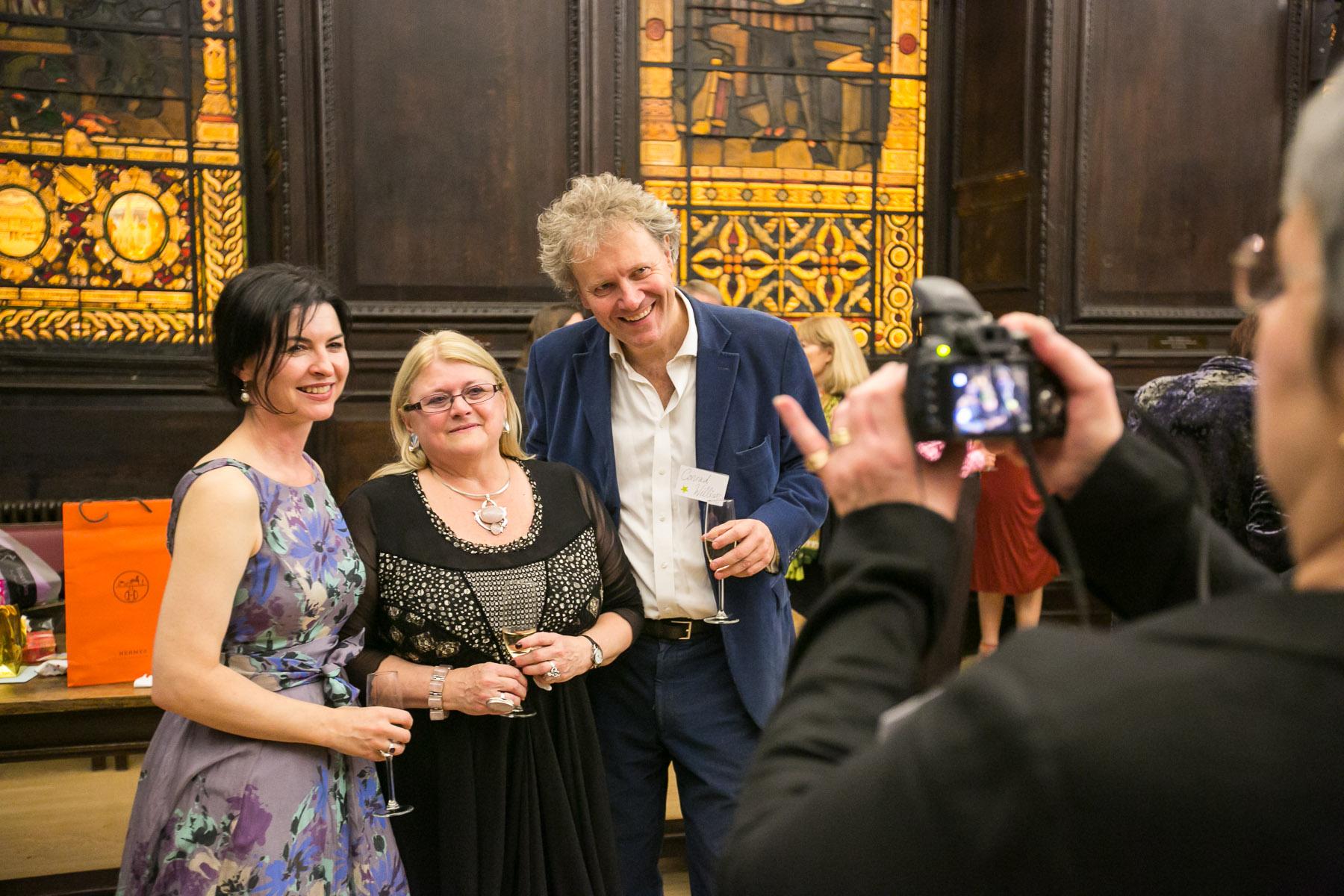 Liz Thomson photographing Isobel Dixon, Carole Blake, Conrad Williams