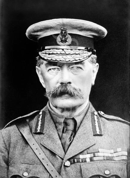 Kitchener in 1915.jpg