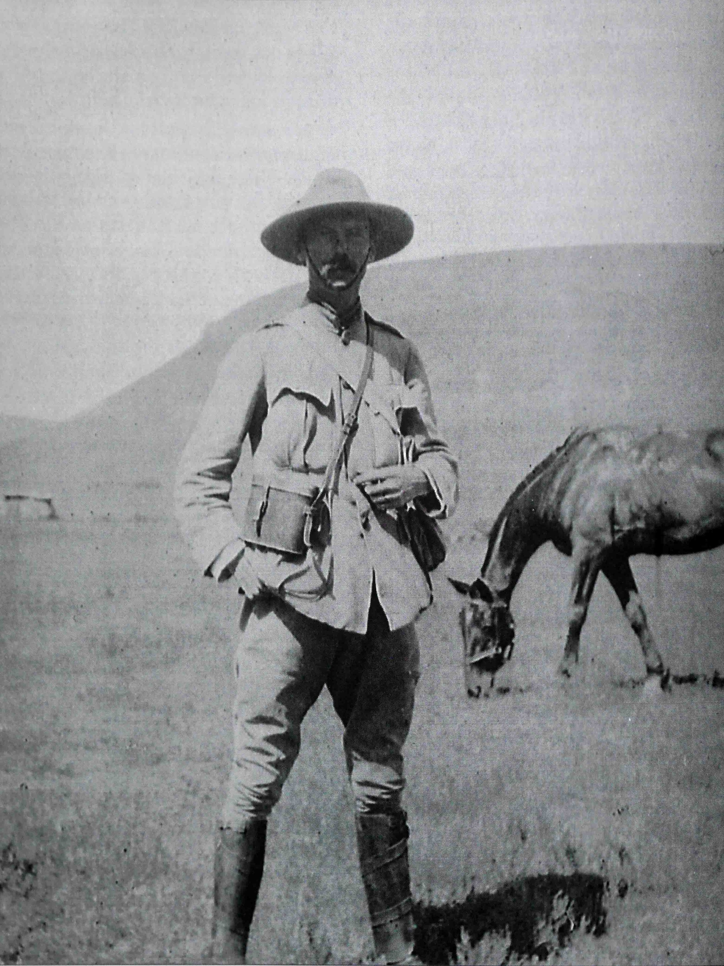 Captain Edward Robertson Gordon, 9th Lancers, in South Africa during the Boer War (1899-1902) (family collection).