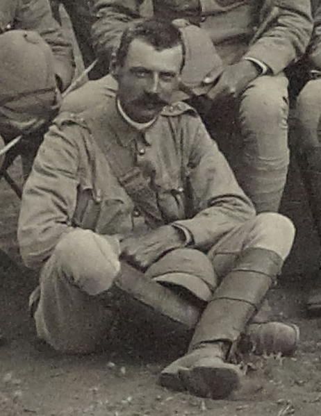 Close-up of photo above showing Captain Thomas Edward Gordon at the Modder River in South Africa in December 1899 (copyright 9th/12th Lancers Regimental Museum, Accession No 2090-16-48).