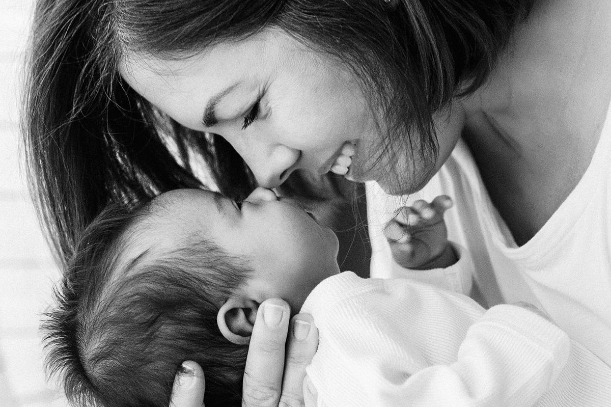 maternity photographer newborn fresh48 photography