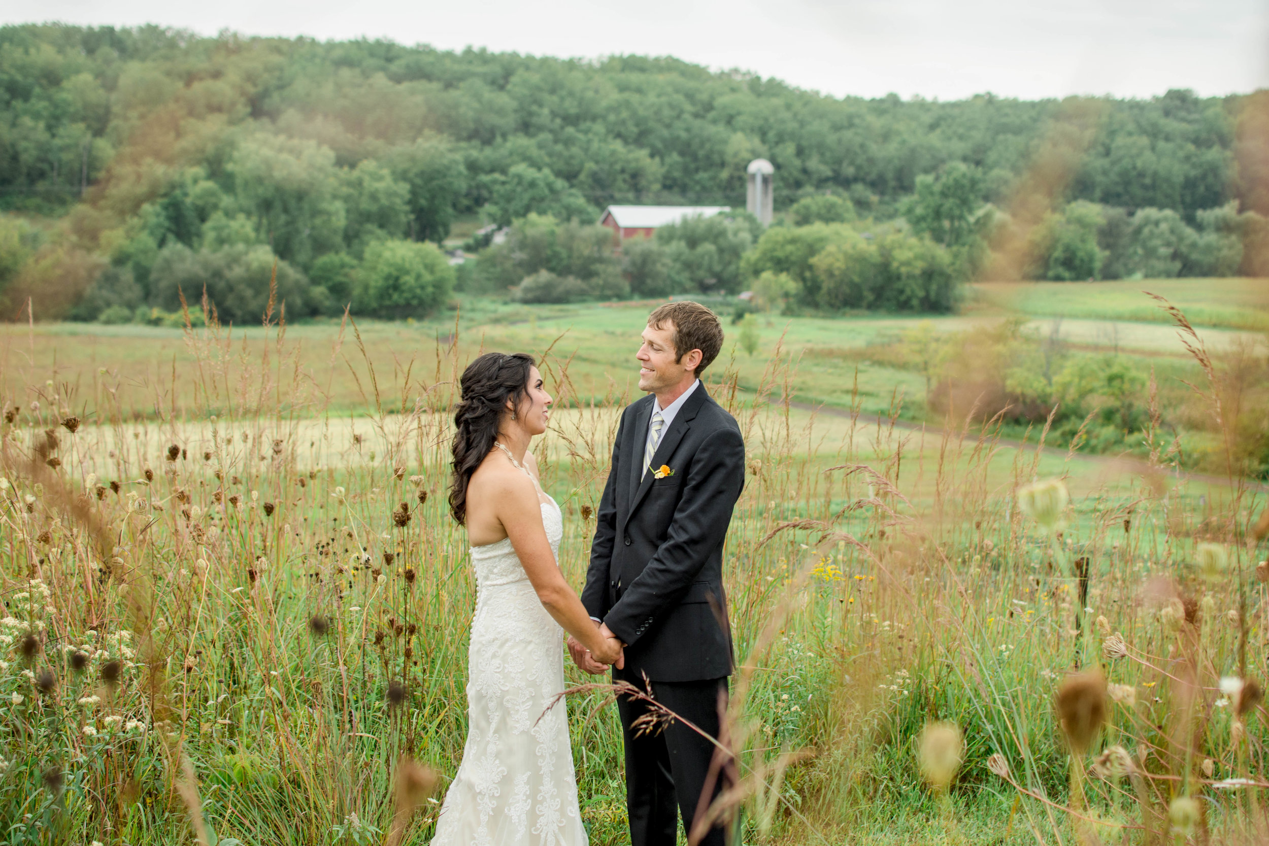 rustic-wedding-venues-in-wisconsin.jpg
