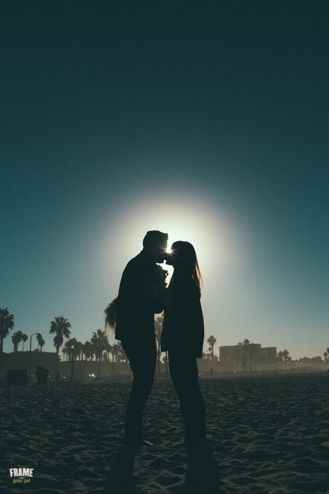 backlit-photos-kissing-couple-sunset.jpg