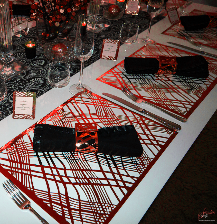 Red Christmas Placemats (Weave Design)