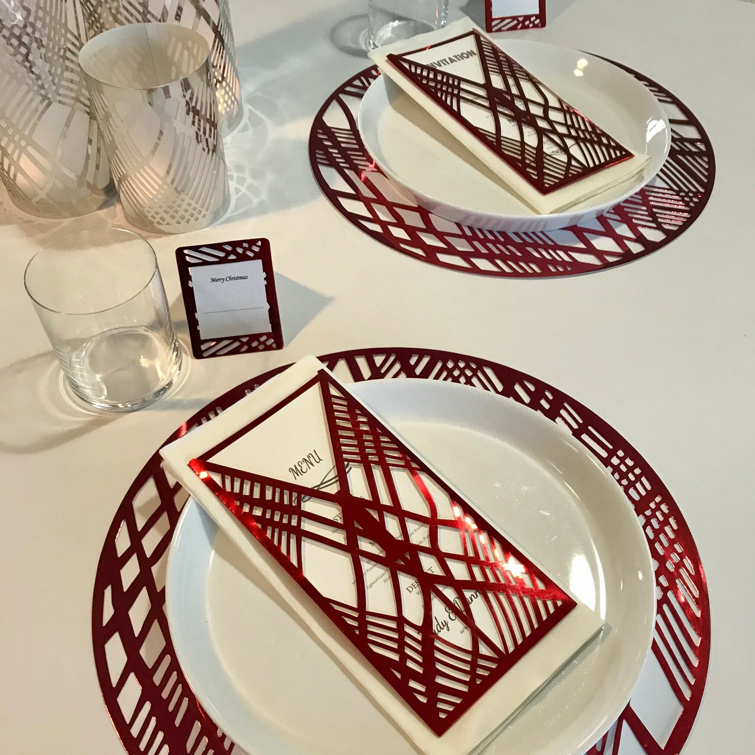Red Weave Round Placemats