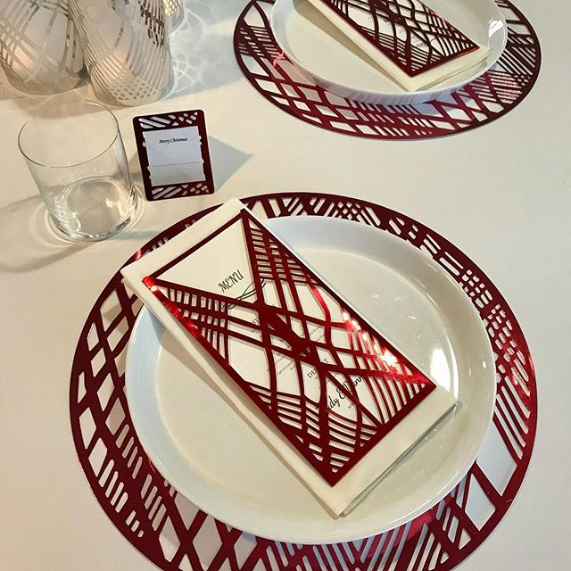 Red placemats for Christmas