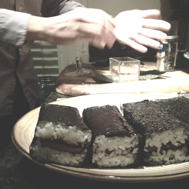 musubi-making.JPG