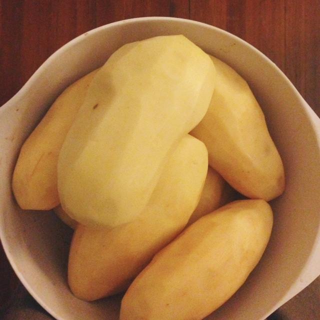 peeling-potatoes.JPG