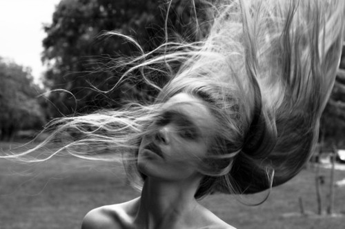 girl,hair,photography,blackwhitevisuallonghair,blackandwhite,model-abb163a8c609b303e679e97df380372b_h.jpg