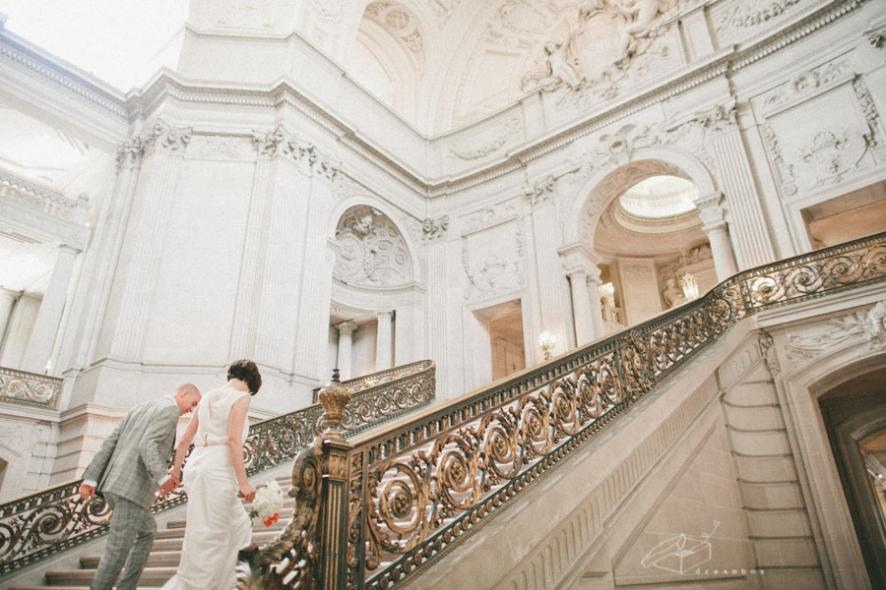 san-francisco-city-hall-wedding(pp_w886_h590).jpg