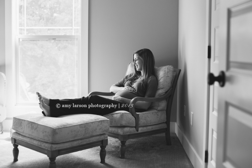 Knoxville-lifestyle-maternity-session-amy-larson-photography-expecting-mom-pregnancy-pregnant-family-session-01(pp_w875_h584).jpg