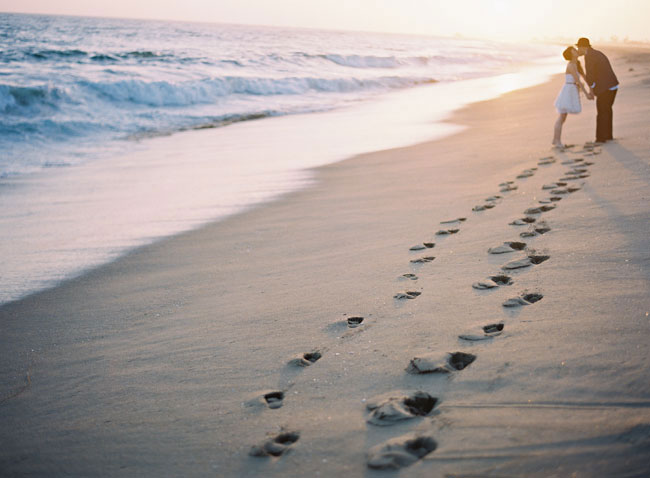 beach-engagement-photos-26.jpg