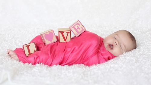 swaddling-love-valentines-day-photography_zpscbe66f5c.jpg