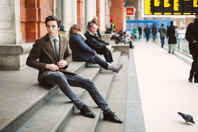 London_fashion_photoshoot_mens_Liverpool_street_portrait01.jpg