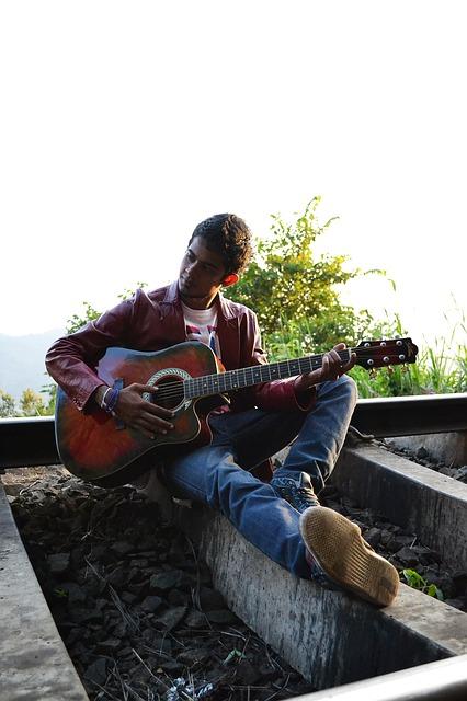 guitarist-191147_640.jpg