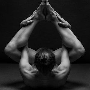 black-and-white-portraits-women-body-bodyscapes-anton-belovodchenko-161.jpeg
