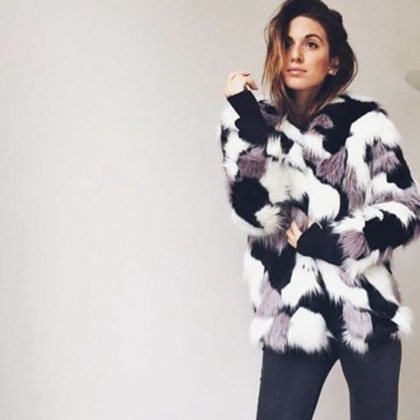 8bqm5f-l-610x610-coat-storets-blogger-blogger+lifestyle-streetwear-streetstyle-street-faux+fur-faux+fur+coat-winter+outfits-winter+coat.jpg