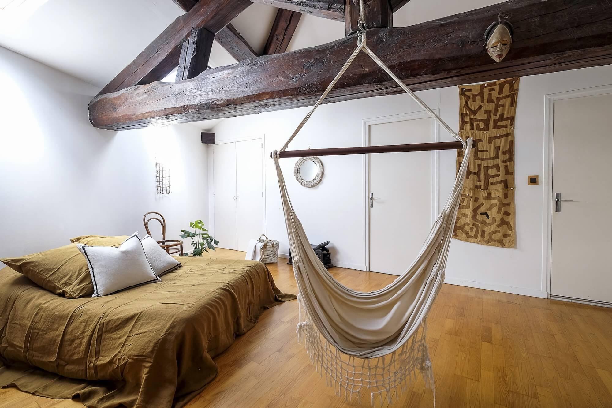 Appartement en vente—   Wood  , Parure de lit  Baralinge  & Coussins + panière  Marie Canzano