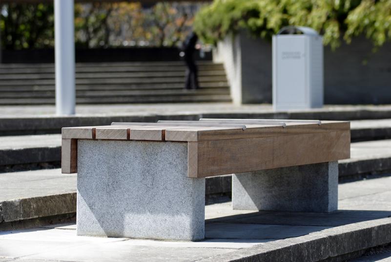 s56 bench, s41 litterbin