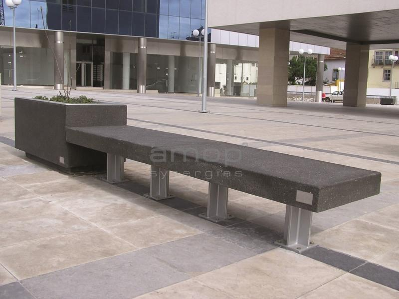 CITIZEN Bench and Planter P