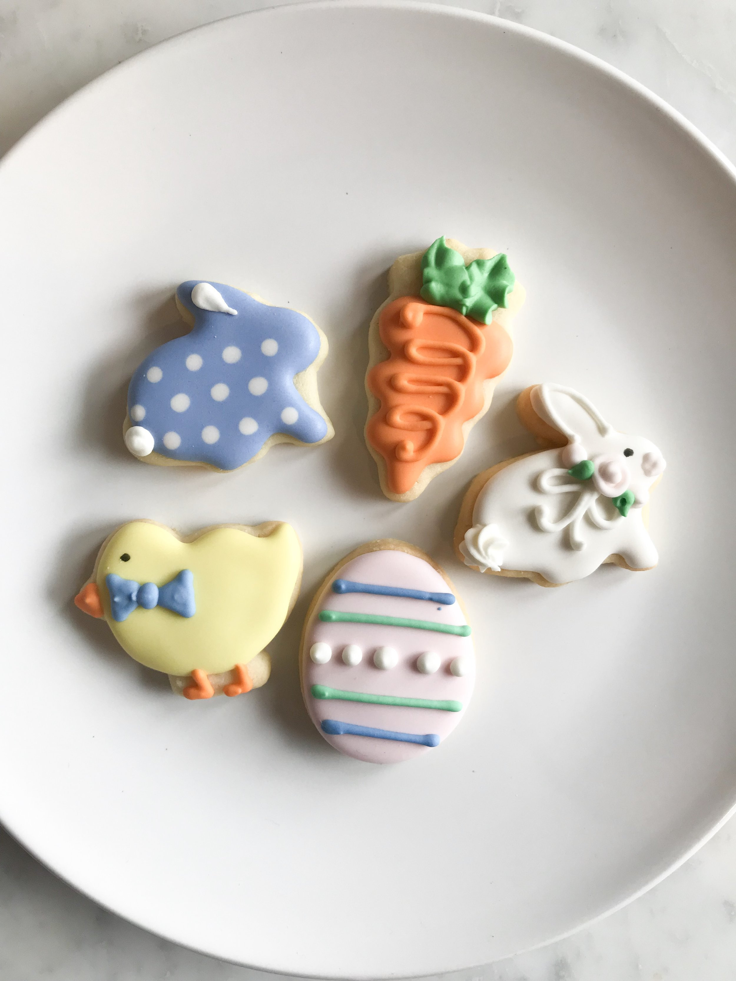 Mini Cookie Pack : 5 mini assorted Easter cookies packaged -