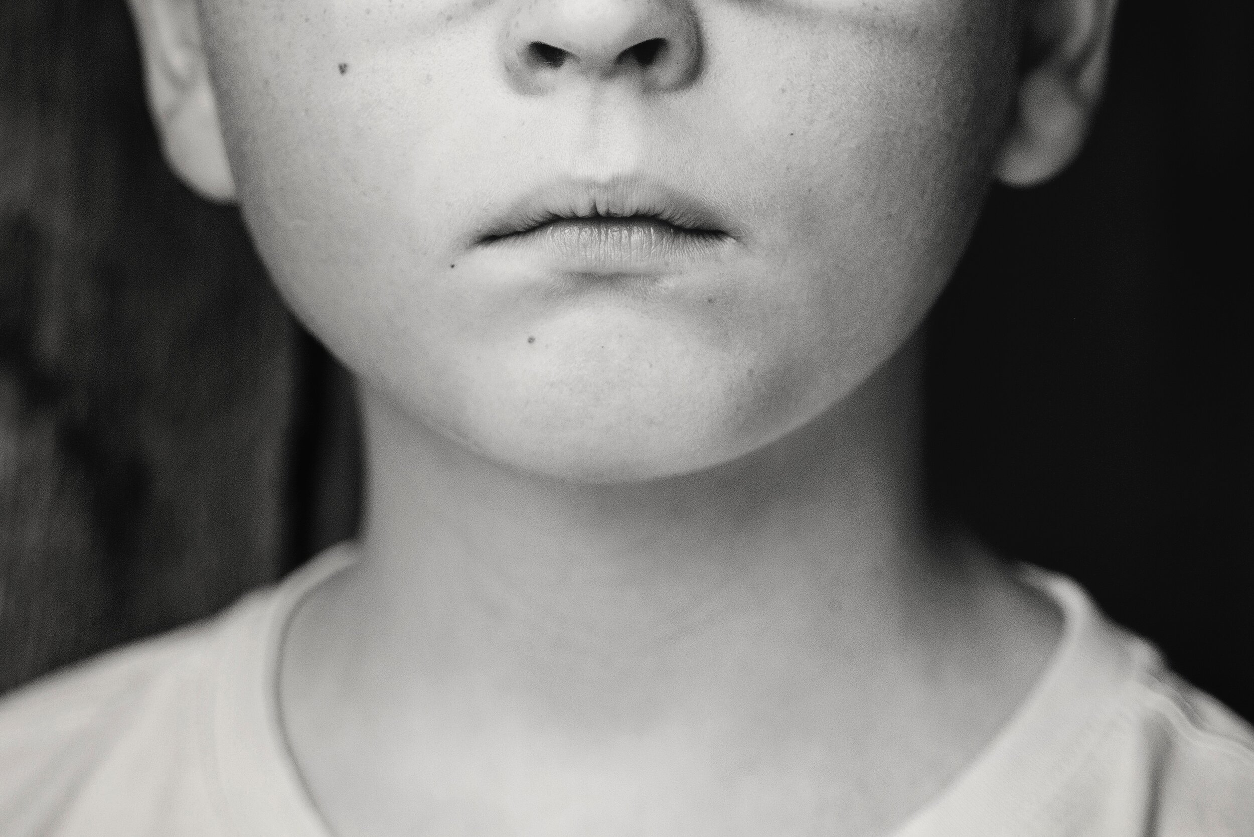 black-and-white-blur-child-568024.jpg