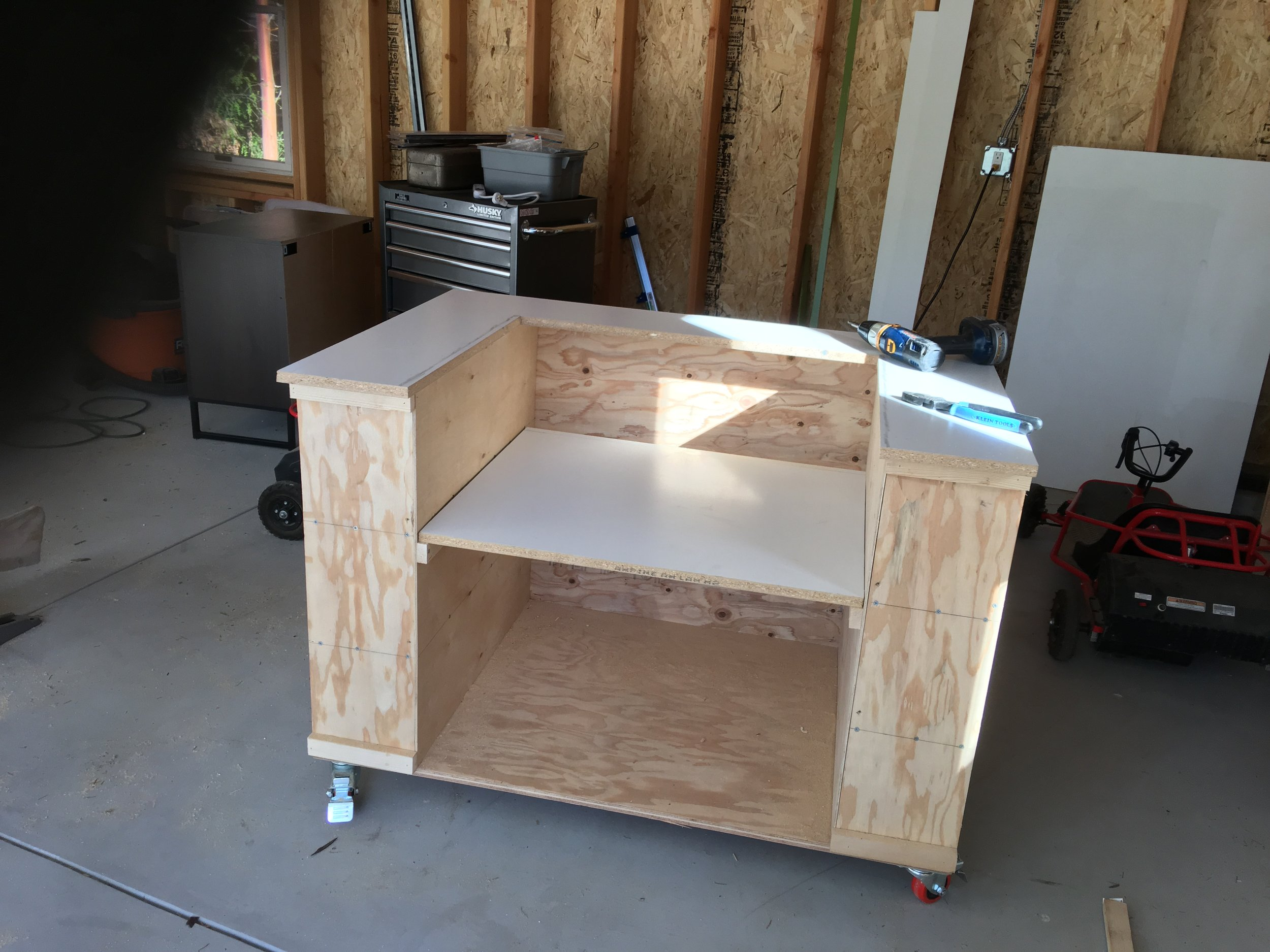I used the cut out for the platform support for the table saw.