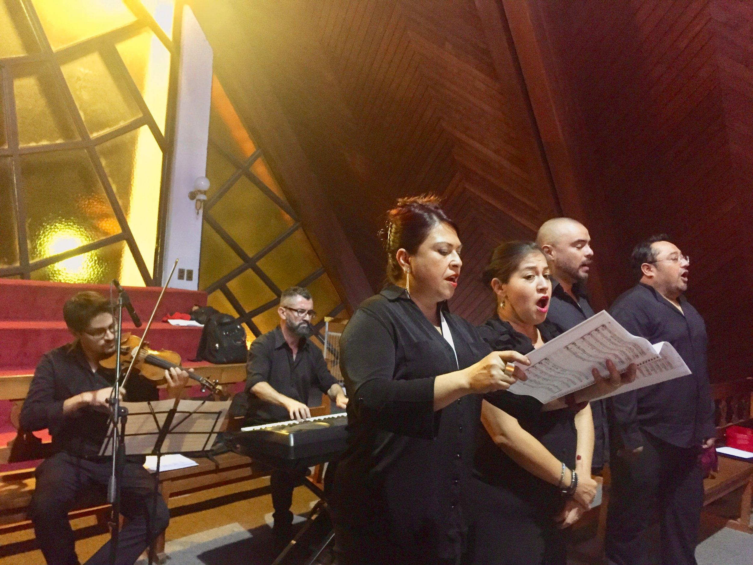 coro ceremonia religiosa musicos chile