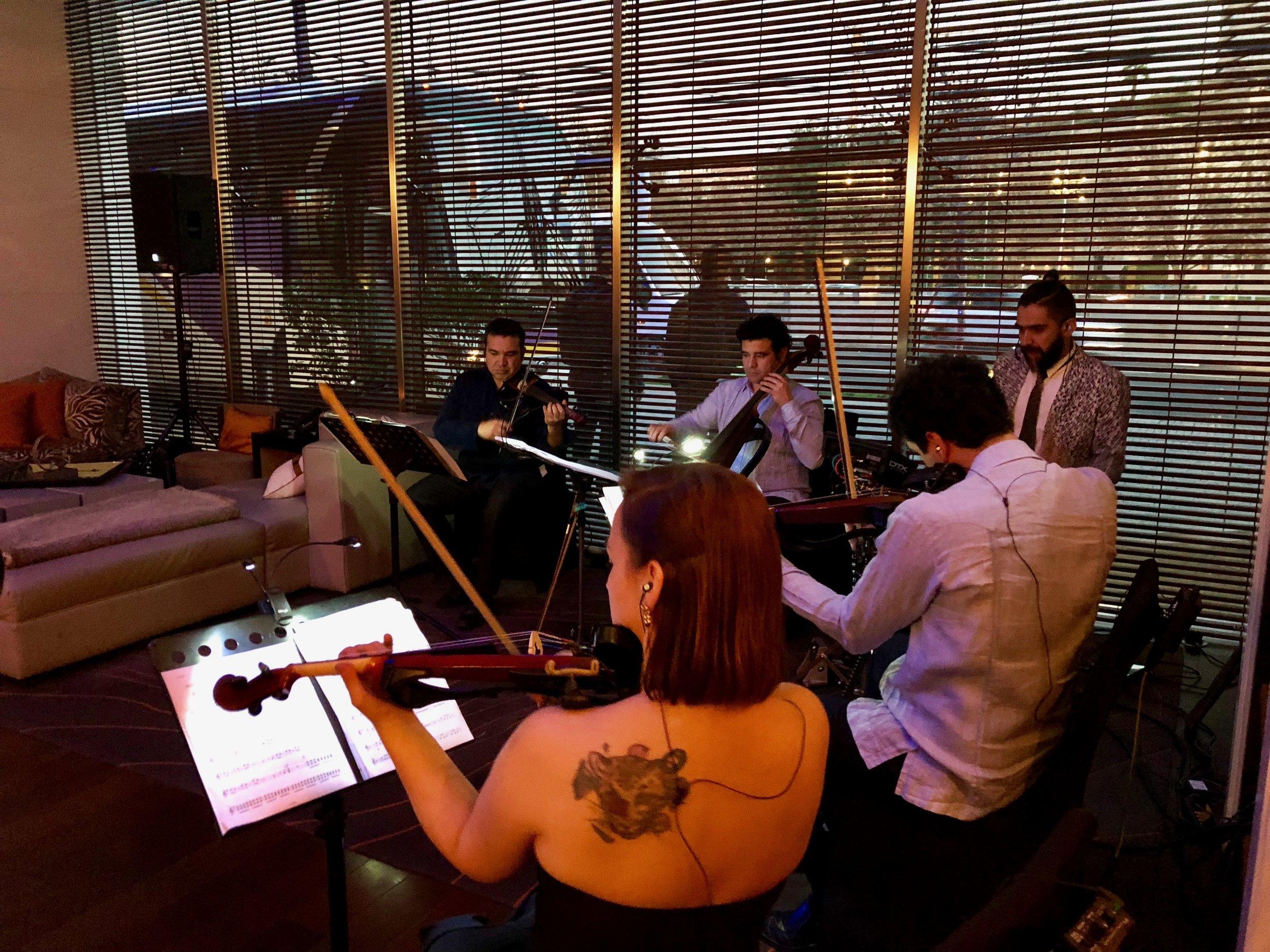 Electroclásicos Chile Cuarteto de cuerdas electrónico Músicos para eventos