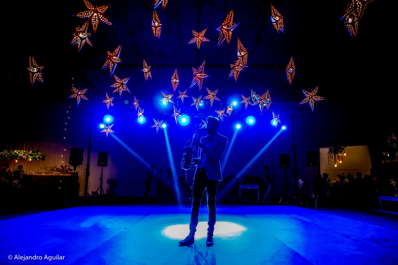 Saxo para eventos, Agez músicos Chile