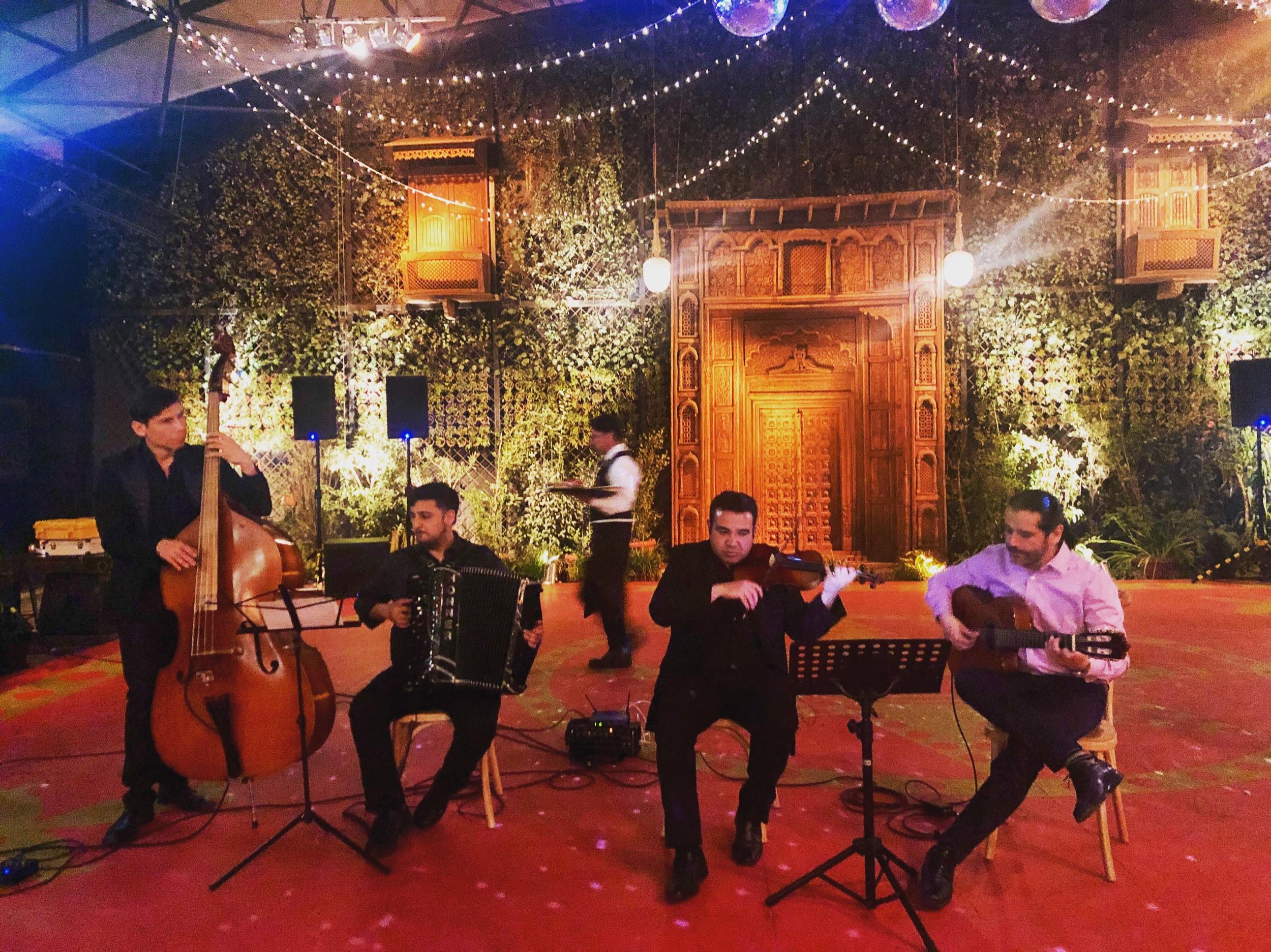 Músicos para eventos Agez Chile