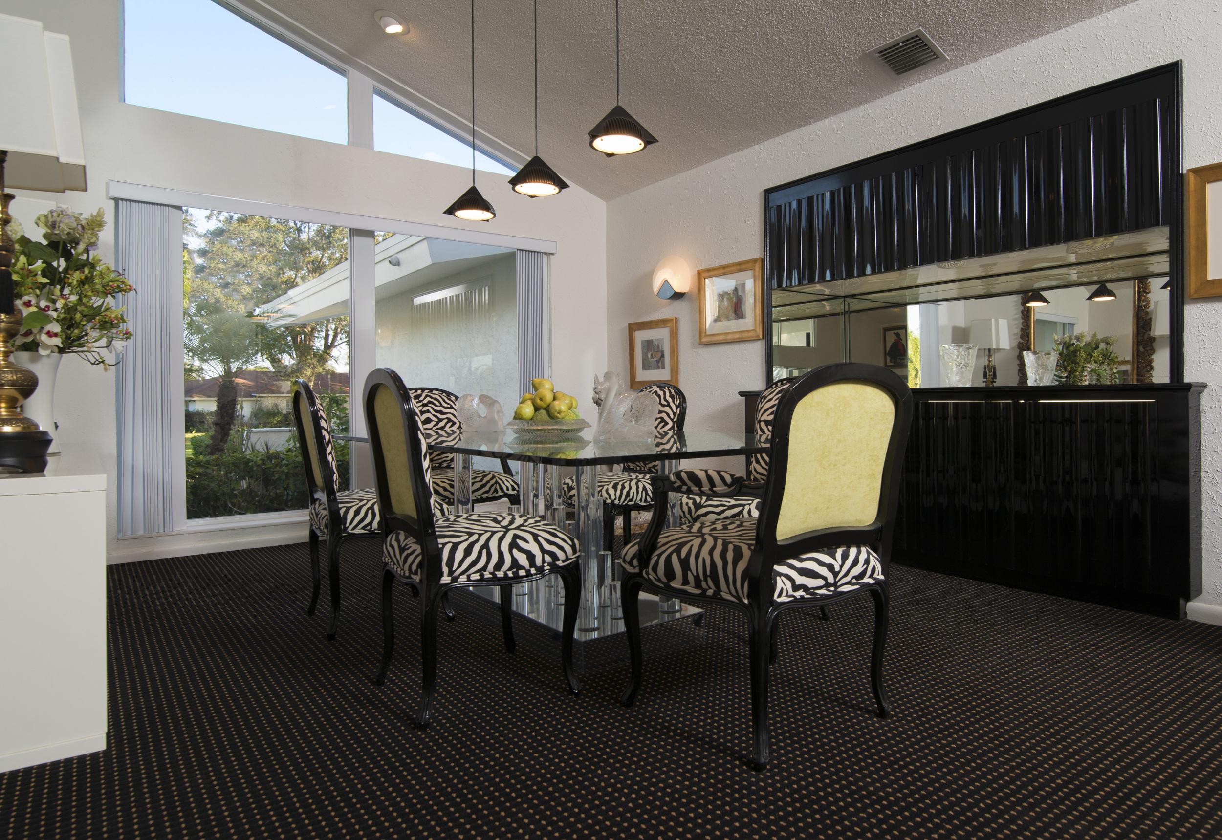 Dining Room SMALLEr.jpg