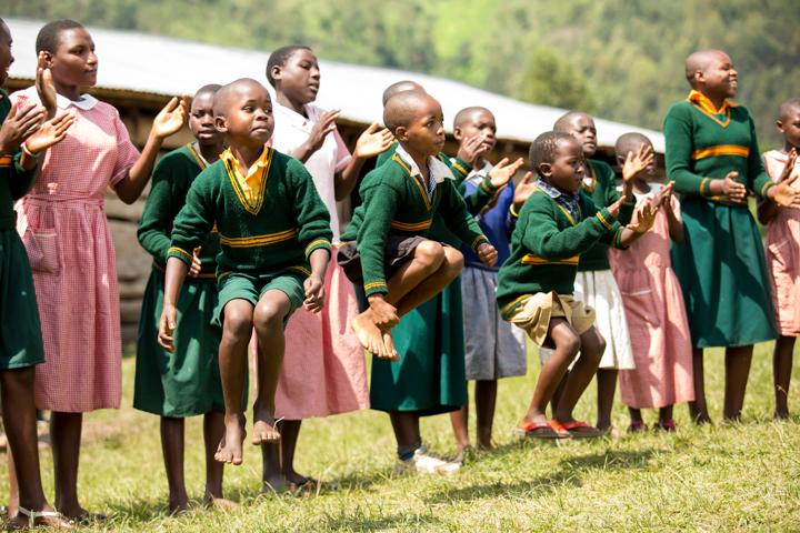 professional-photography, orlando-travel-photographer, uganda, the-people-of-uganda, pygmies, medicine-man, bwindi-national-park, www.dynamitestudioinc.com-16.jpg