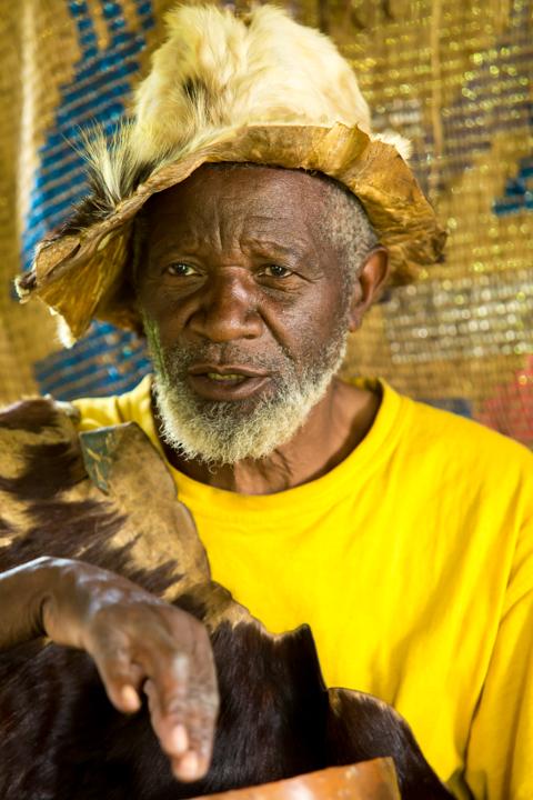 professional-photography, orlando-travel-photographer, uganda, the-people-of-uganda, pygmies, medicine-man, bwindi-national-park, www.dynamitestudioinc.com-22.jpg