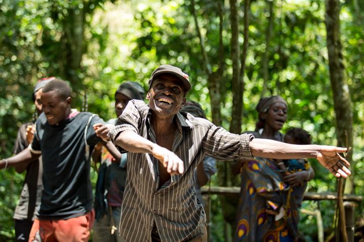 professional-photography, orlando-travel-photographer, uganda, the-people-of-uganda, pygmies, medicine-man, bwindi-national-park, www.dynamitestudioinc.com-28.jpg