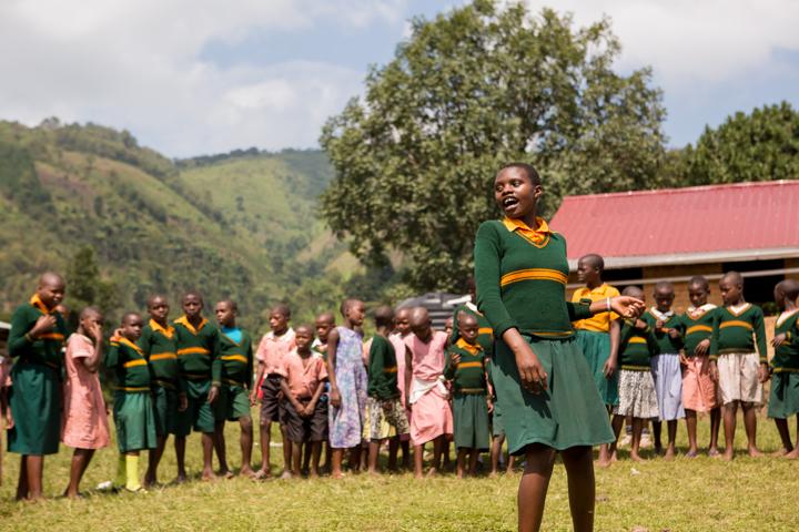 professional-photography, orlando-travel-photographer, uganda, the-people-of-uganda, pygmies, medicine-man, bwindi-national-park, www.dynamitestudioinc.com-32.jpg