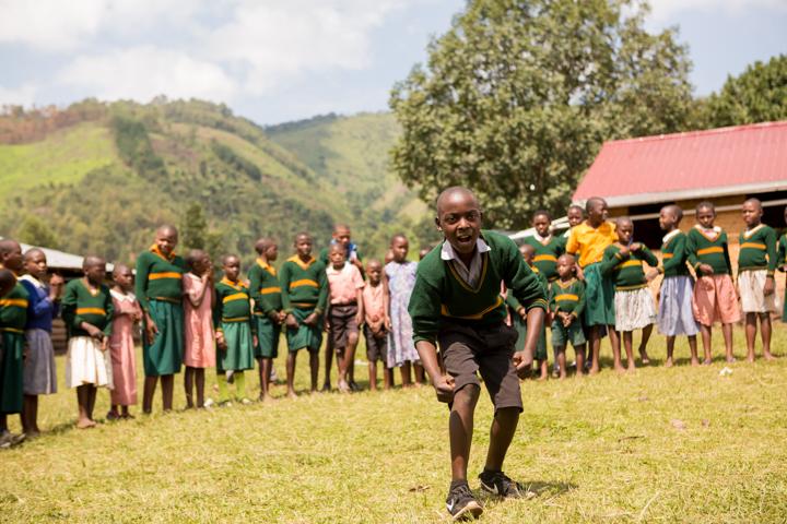 professional-photography, orlando-travel-photographer, uganda, the-people-of-uganda, pygmies, medicine-man, bwindi-national-park, www.dynamitestudioinc.com-33.jpg